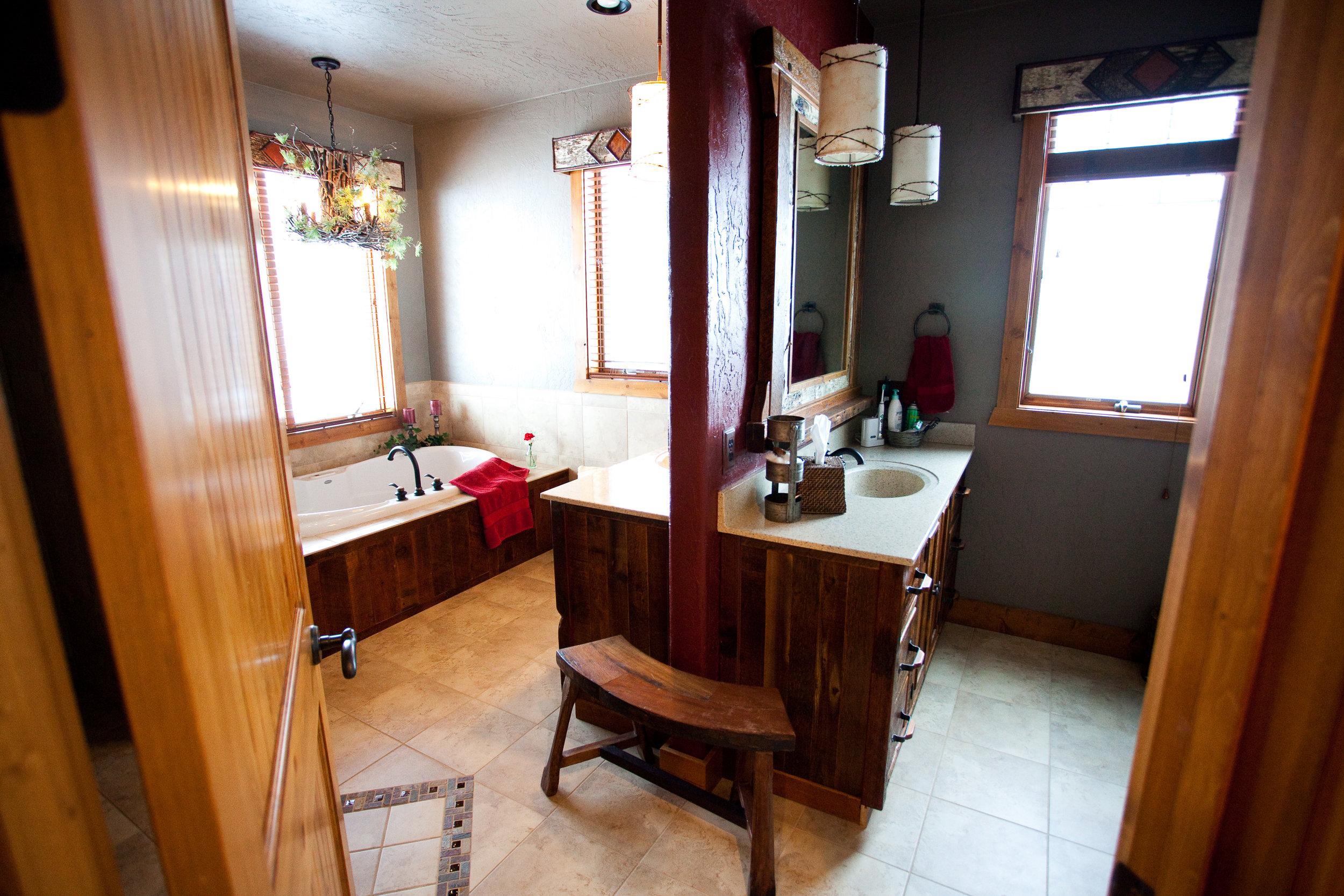 Palenske-Bathroom (1).jpg