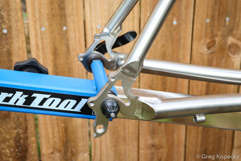 Habanero-Cycles-titanium-road-bike-dropouts-Minimal-Multisport-1.jpg
