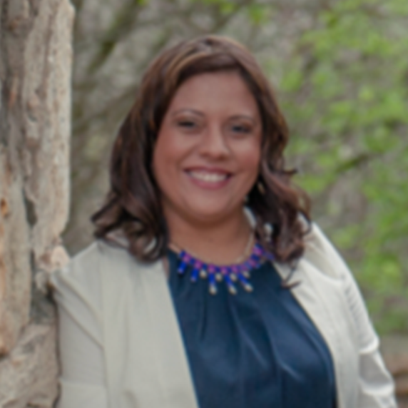 Evelyn Flores - Accountant