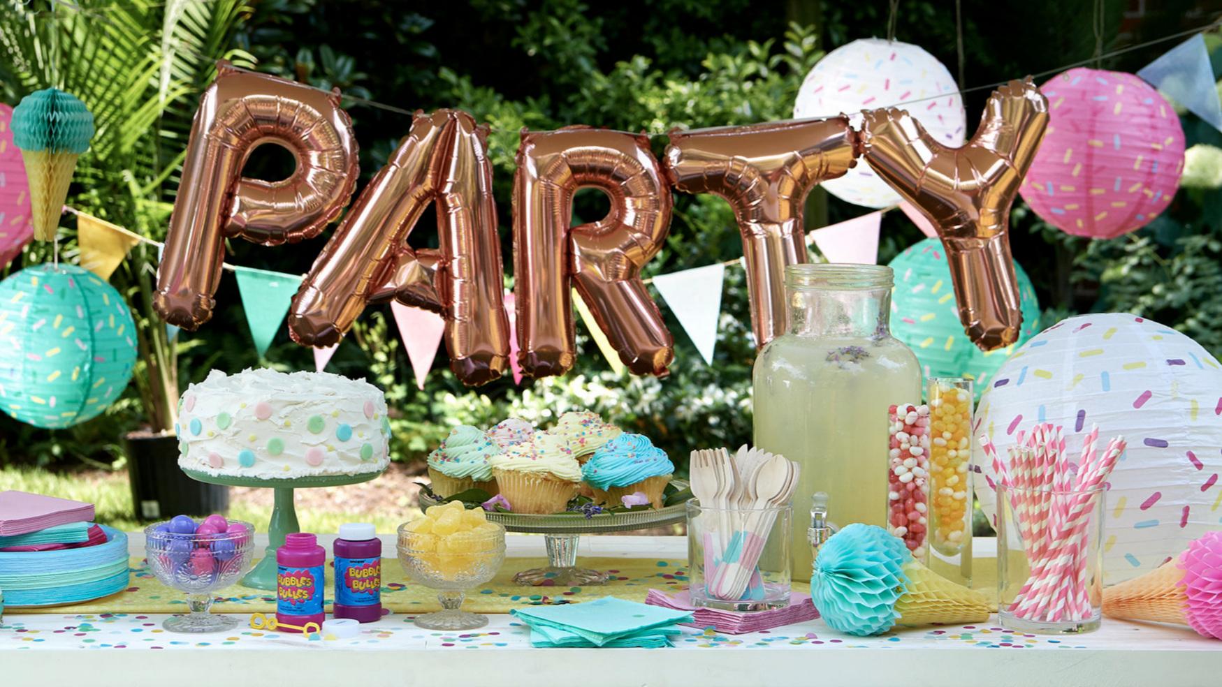 45524_Beattheheat_ENT_PartySupplies_Decorations17097_Horz.jpg