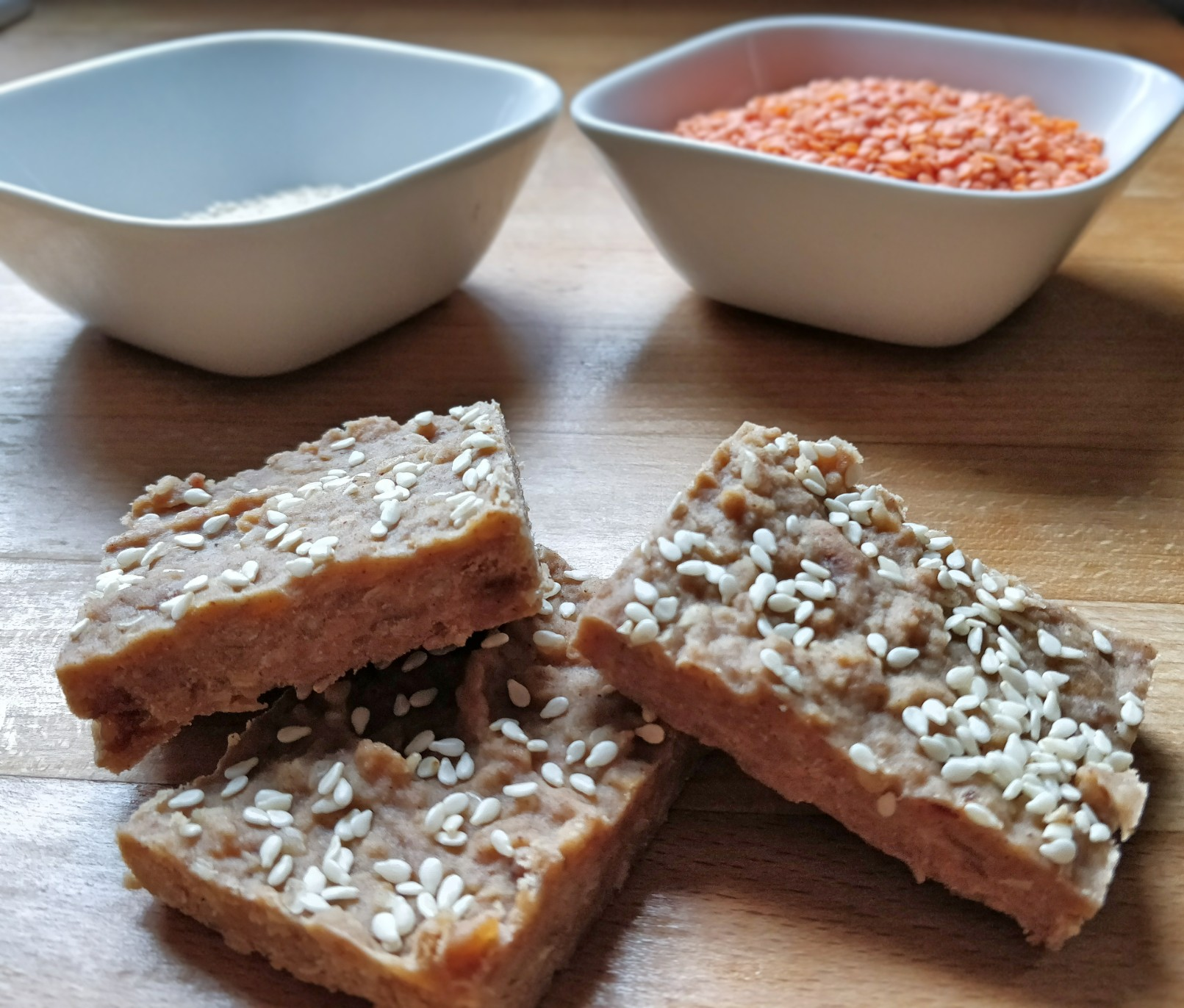 Lentil, date and cashew nut healthy energy bars for toddlers, kids, baby-led weaning, on the go snacks and delicious treats. Dairy free, cmpa friendly, recipe ideas