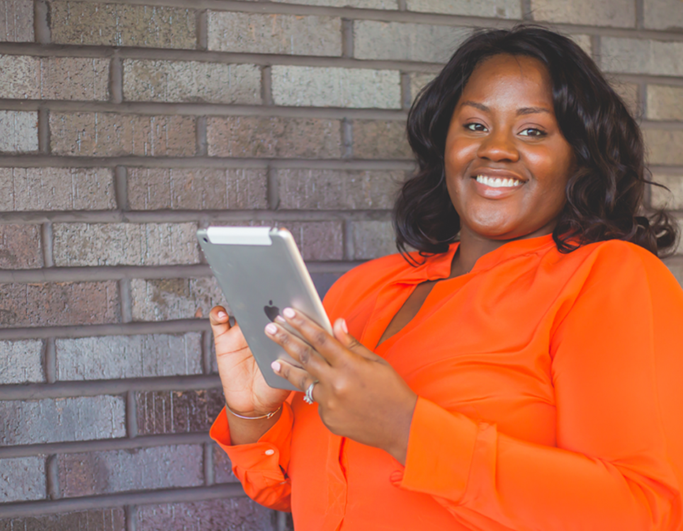 HELLO BEAUTIFUL SOUL - I'm Shaneece, CEO of Savvy Branding. I work with Entrepreneurs to transform their brand using creative design and social media strategy. I am also a woman of faith who believes every Entrepreneur needs inspiration for their ideas to blossom along with encouragement to push to action.