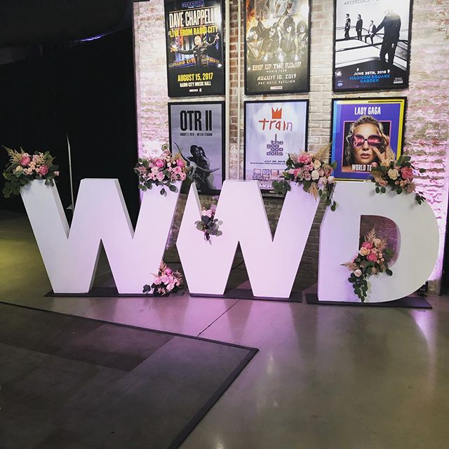 The first ever @wwd Influencer Summit is today and it's bursting at the seams! Influencer marketing has proven itself as a top priority for marketers of D2C brands and it's just the very beginning 🙌🏻💪🏻 . . . #wwdsummits #influencertrends #influencermarketing #thoughtleadership #influencersummit #instagram #socialmedia