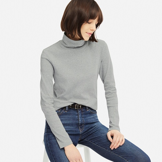 Basic long sleeve cotton turtle neck from Uniqolo that comes in multiple colours and sizes. This top goes for $14.90
