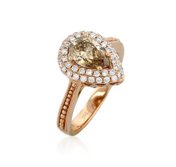 gold ring3.jpg