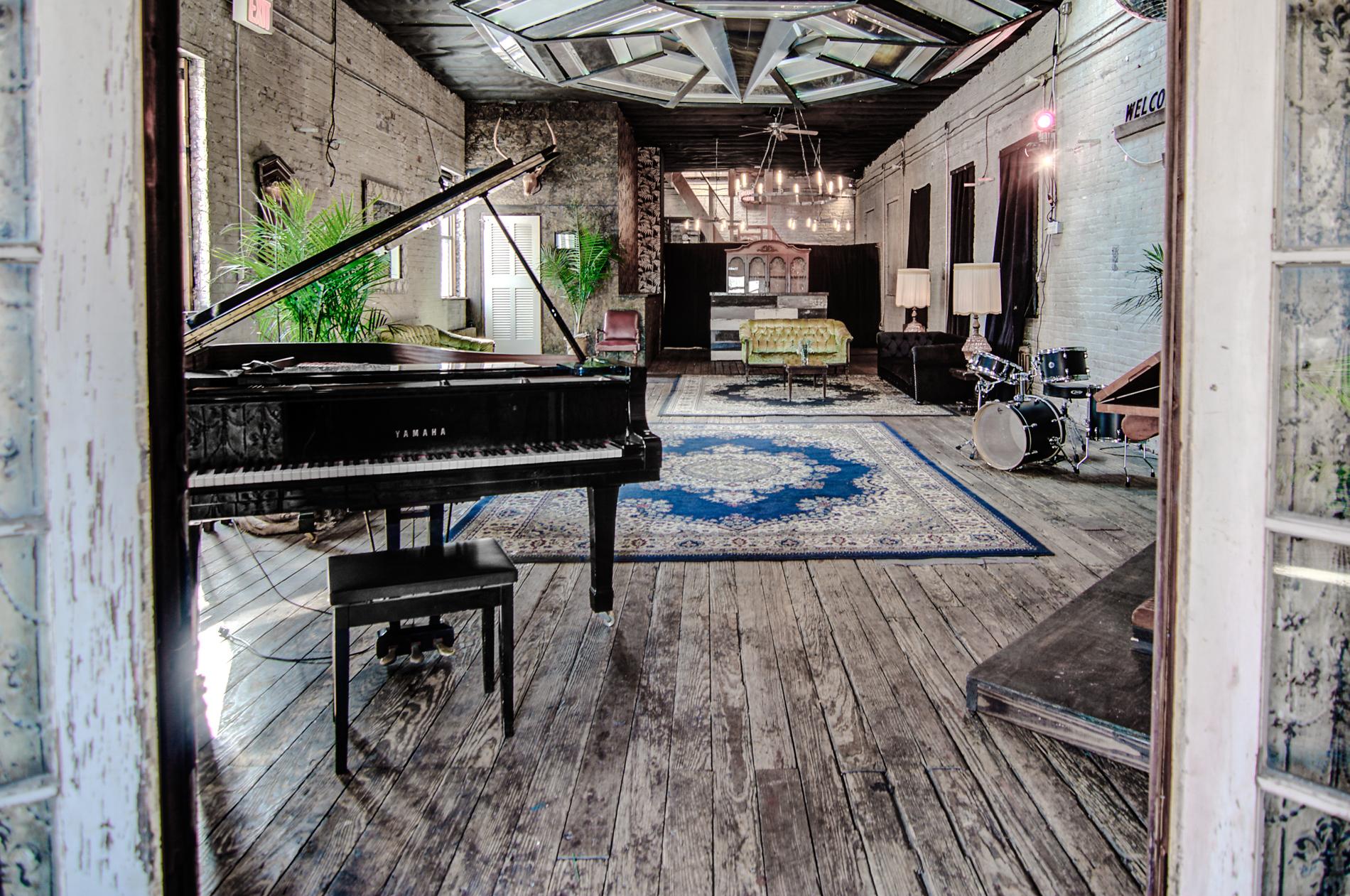 Vintage Loft Studio -