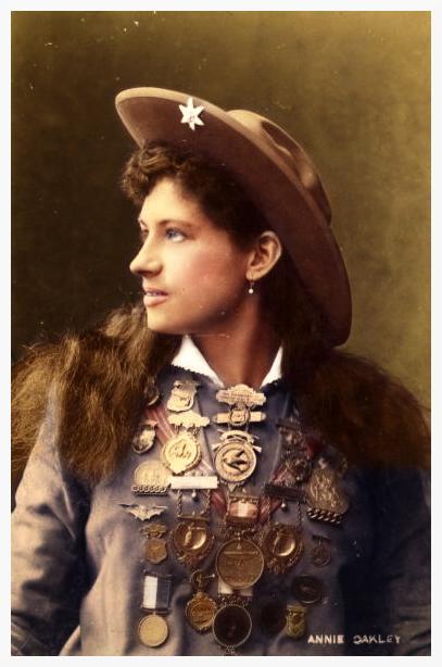 Annie Oakley - by_missylynne - vers 1900 - source reddit.com