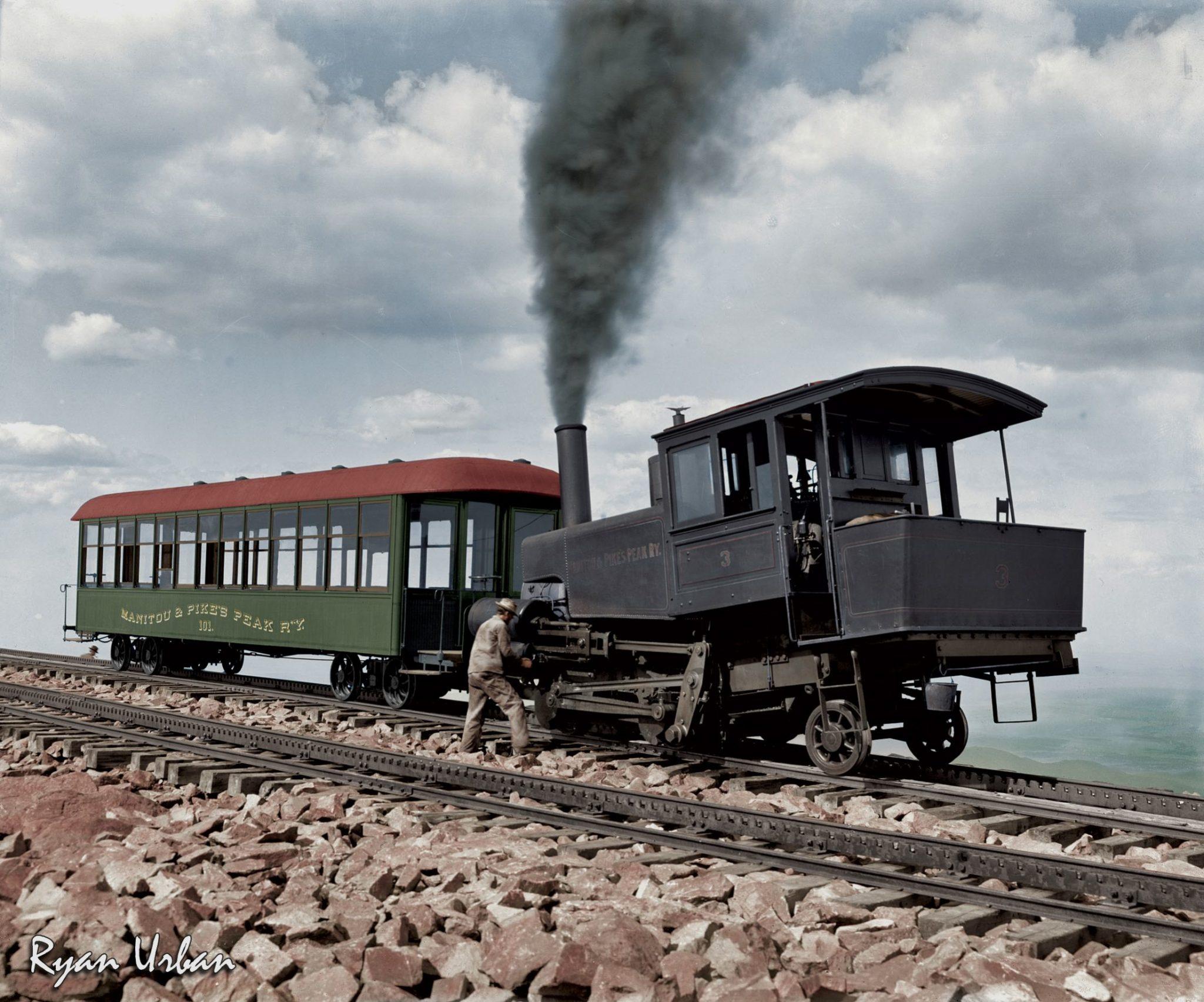 Locomotive et voiture de Pikes Peak Cog Railway, vers 1900 - source N&B: wikipedia - colorisée par Ryan Urban