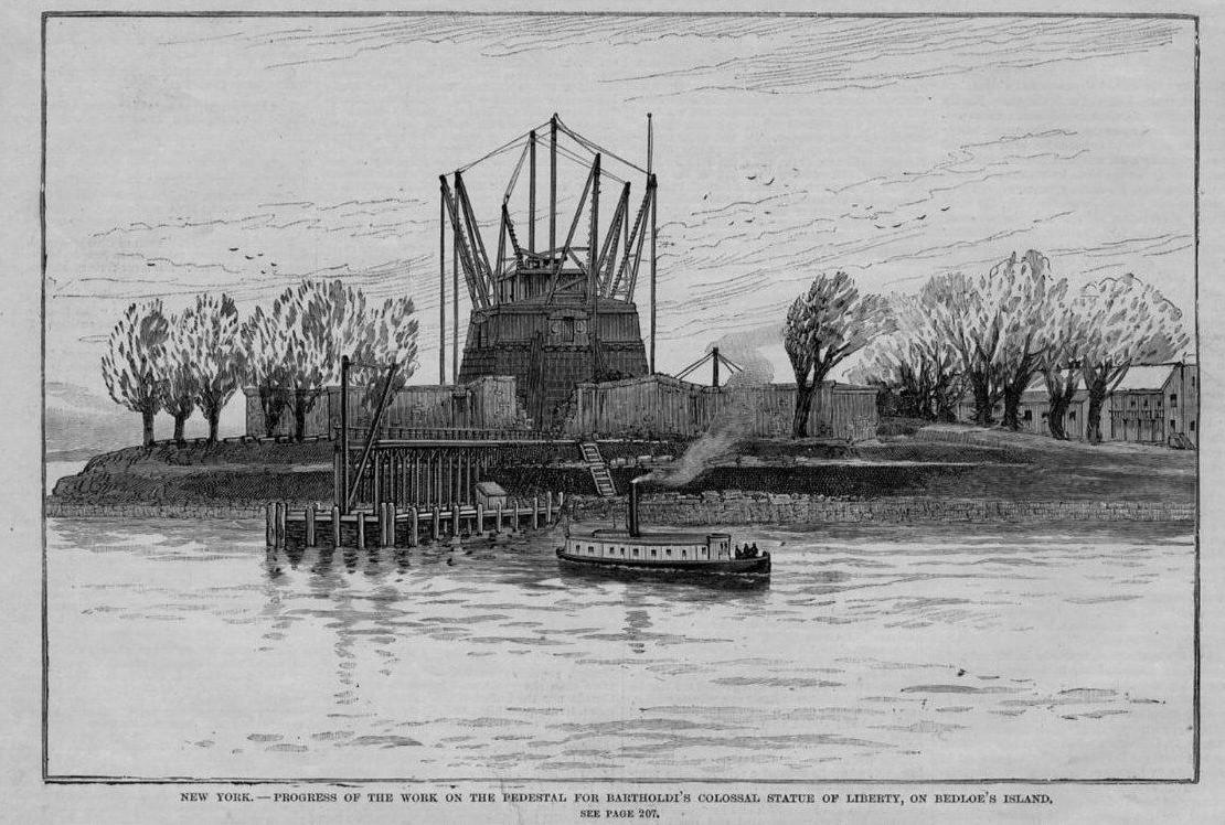 Gravure - Les travaux du piédestal sur l'île de Bedloe - 1885-86 - Source nps.gov