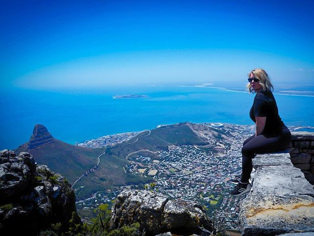 "Would, ""living on the edge"" be too cliche ?  Honestly, my jet lag has been crazy and I'm old so that's about as clever a caption as I can come up with at the moment!  BUT- what I will say is this: Capetown is beautiful, the food is amazing, the people are friendly, the views are epic, and, lastly, most importantly, taking the cable car UP to the top of #TableMountain was MUCH more pleasant than trekking up it. 😂😂 ((Shout out to the Everest Base Camp turtle squad 😂😂 - my last hiking memory was a little more adventurous 😂😂 @littlemirandapiggy @nimagadv @seezartheeng @akshar333 @matayooo @susiecanning )) #instapassport #thecreative #artofvisuals #aroundtheworldpix #ig_masterpiece #theprettycities #flashesofdelight #travelog #mytinyatlas #visualmobs #theglobewanderer  #cityofcapetown #visitsouthafrica #thisisafrica #sonyimages #sonyalpha #focalmarked #airbnb #tablemountainview #southafrica #bealpha"