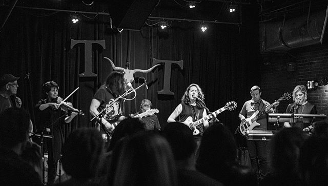 helluva party last thursday, seattle. big thanks to @whitneymonge for having us, @supermotherband for startin' a fire, the @tractortavern for having us, and to you for letting us be a part of your lives. our EP release is set for september. until then, catch @arthurjamesmusic, @lanamcmullen, and @leahtous at their solo shows over the summer, and keep an eye out for some music videos we'll be releasing. thanks for hanging with us so far. we love you all. madly. 📷: @zenwolfang for @danstunesseattle #seattlemusic #newmusic #livemusic #collaboration