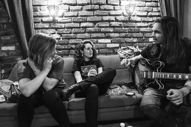 16 days to the EP release at @columbiacitytheater with @covenhoven and @alkimusic. here's a photo of @arthurjamesmusic telling @lanamcmullen and @leahtous about the time @ericlilavois farted and blamed it on @anderson.julian. link in bio, let's gooooooooo! 📷: @philstogramm #seattlemusic #newmusic #livemusic #collaboration #farts