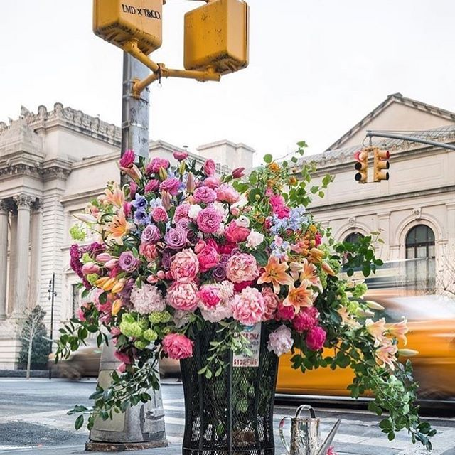 Extraordinary flower installations are popping up all over the city right! Check out @leafflowershow for more info on all the secret locations that are blooming right now! #NYflowerweek #LeafFlowerFestival  RP: @leafflowershow