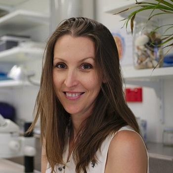 Dr Jennifer Lavers   Institute for Marine and Antarctic Studies, University of Tasmania