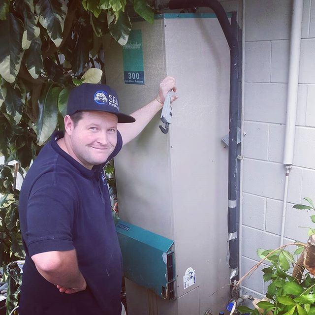 If you have a Vulcan Freeloader gas storage hot water system that is leaking or has gone cold then we can come out and repair or replace it for you. Call Seal 021797912  #plumber #plumbers #gasfitting #gasfitters #gasfitter #auckland #aucklandcity #northshore #rodney #newzealand
