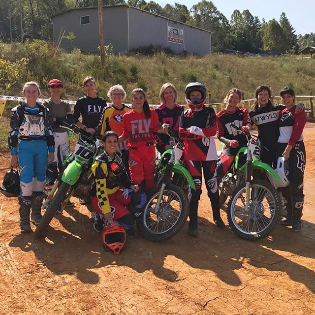 Had an unreal time at @babesinthedirt, guest instructing with @motoanatomy_, this past weekend. Three days, 5 separate classes, nearly 50 women of all different motor sports backgrounds, learning #FlatTrack. And absolutely loving it! The excitement and the smiles on all of their faces was contagious. So proud of all these ladies for trying something new.  Thanks so much for having me @babesinthedirt @motoanatomy_ @anyavioletuniverse, till next time ♥️