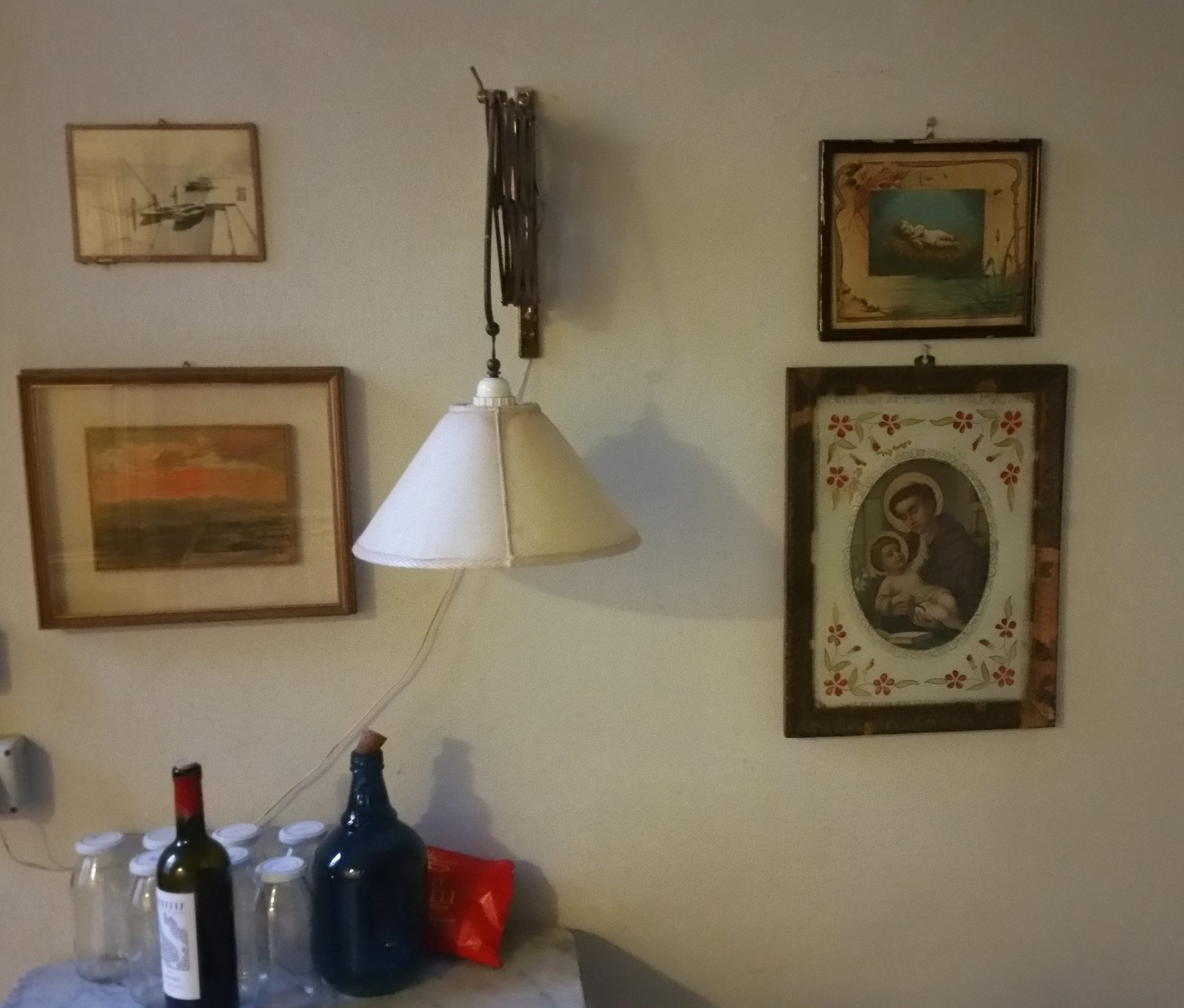 Kitchen wall with art.jpg