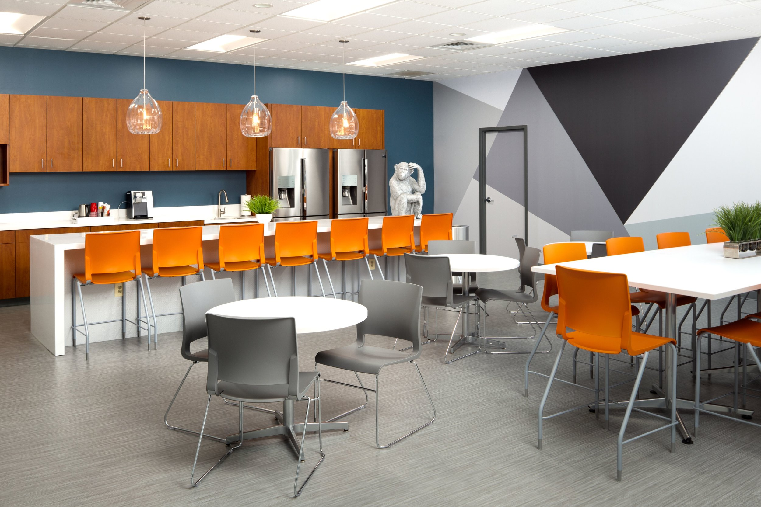 Kitchen/lunchroom - after