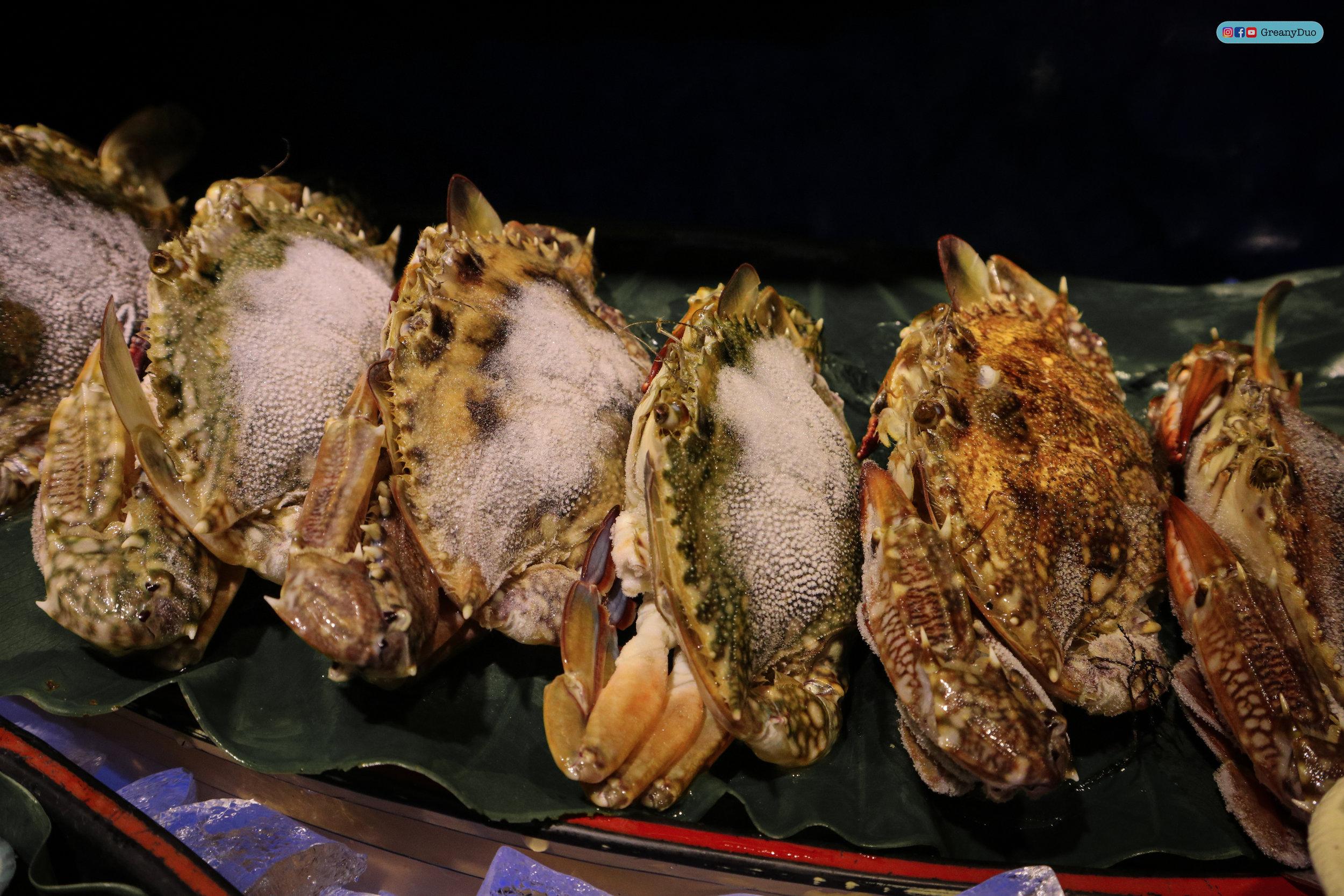 fresh crab at บุฟเฟ่ต์ชาบูไต้หวันที่ Hakkai Shabu Shabu ซีเหมินติง