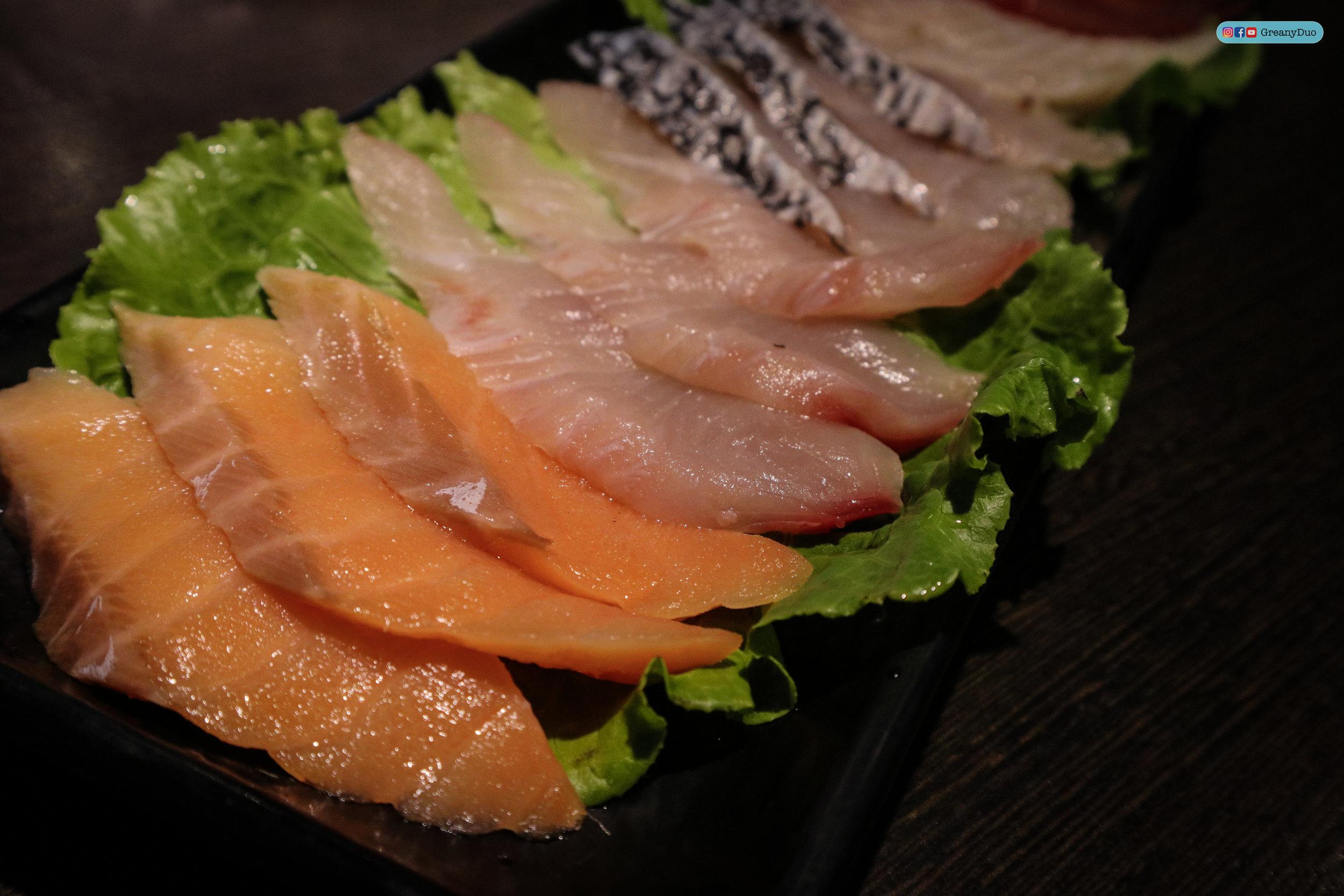 fresh fishs at บุฟเฟ่ต์ชาบูไต้หวันที่ Hakkai Shabu Shabu ซีเหมินติง
