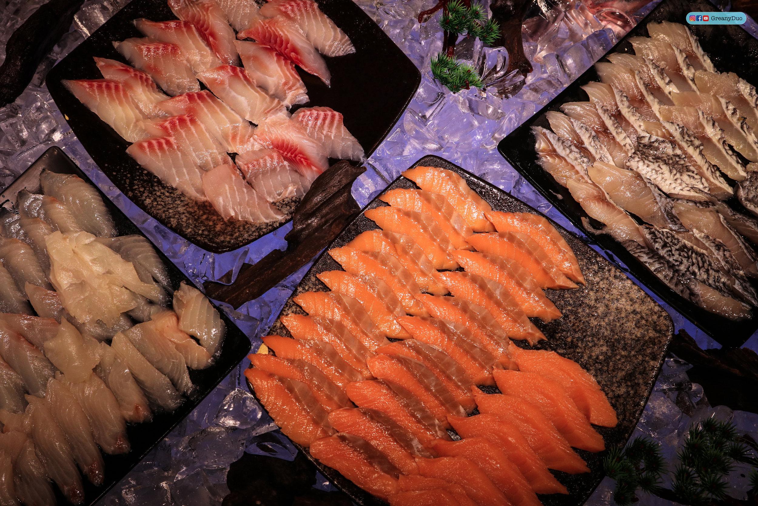 fresh fish at บุฟเฟ่ต์ชาบูไต้หวันที่ Hakkai Shabu Shabu ซีเหมินติง