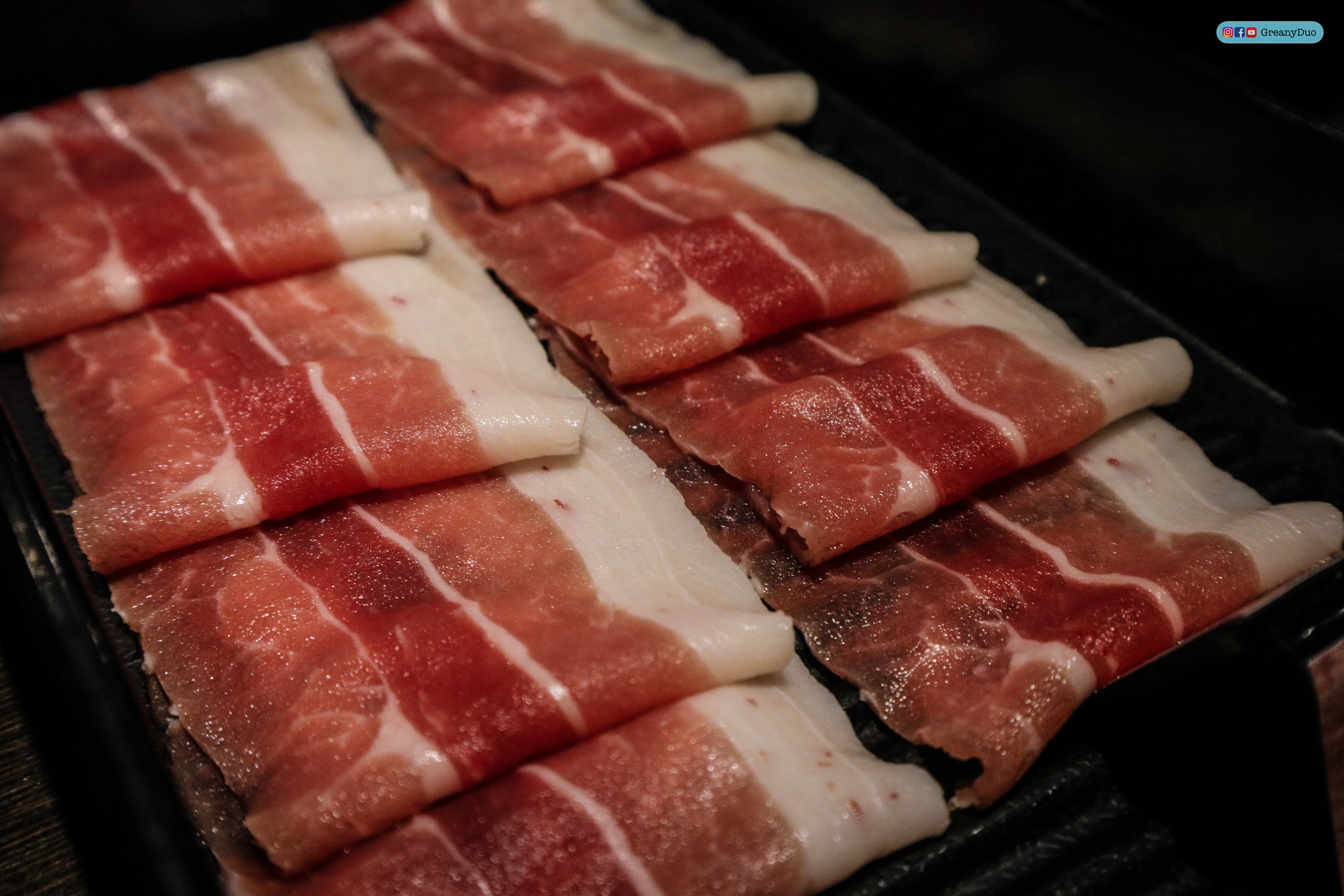 fresh meat at บุฟเฟ่ต์ชาบูไต้หวันที่ Hakkai Shabu Shabu ซีเหมินติง