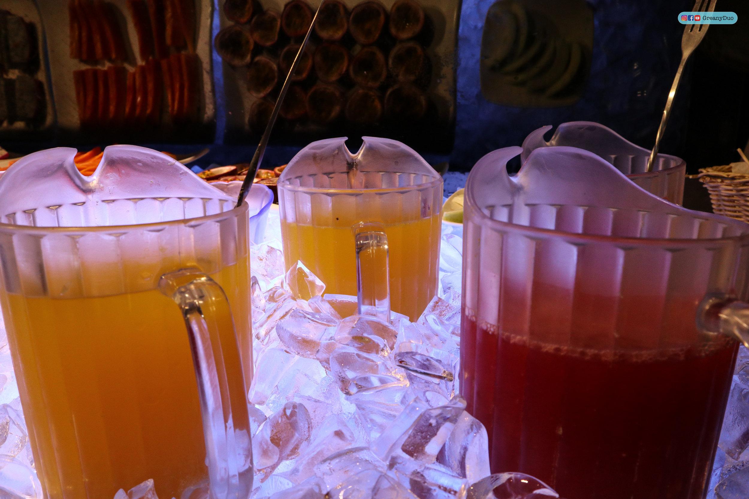 fresh juice at บุฟเฟ่ต์ชาบูไต้หวันที่ Hakkai Shabu Shabu ซีเหมินติง