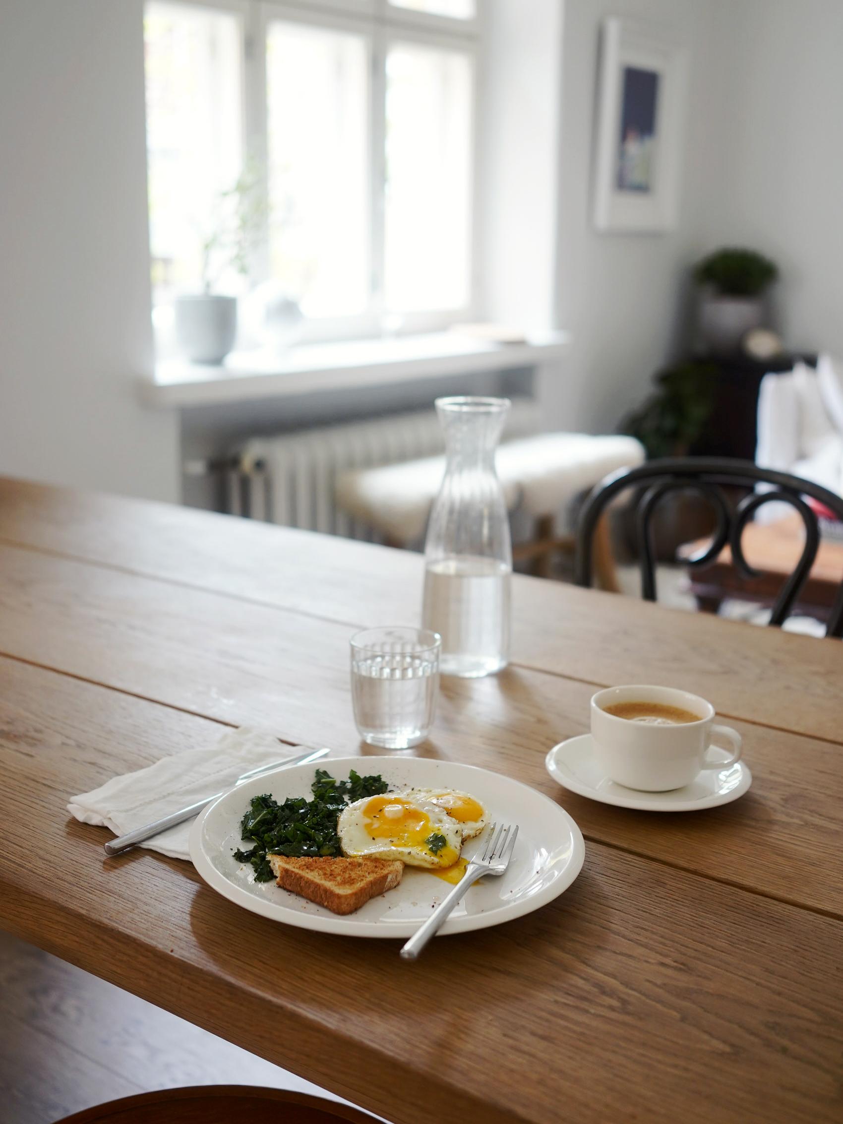 Aamiainen yhtenä sunnuntaina.