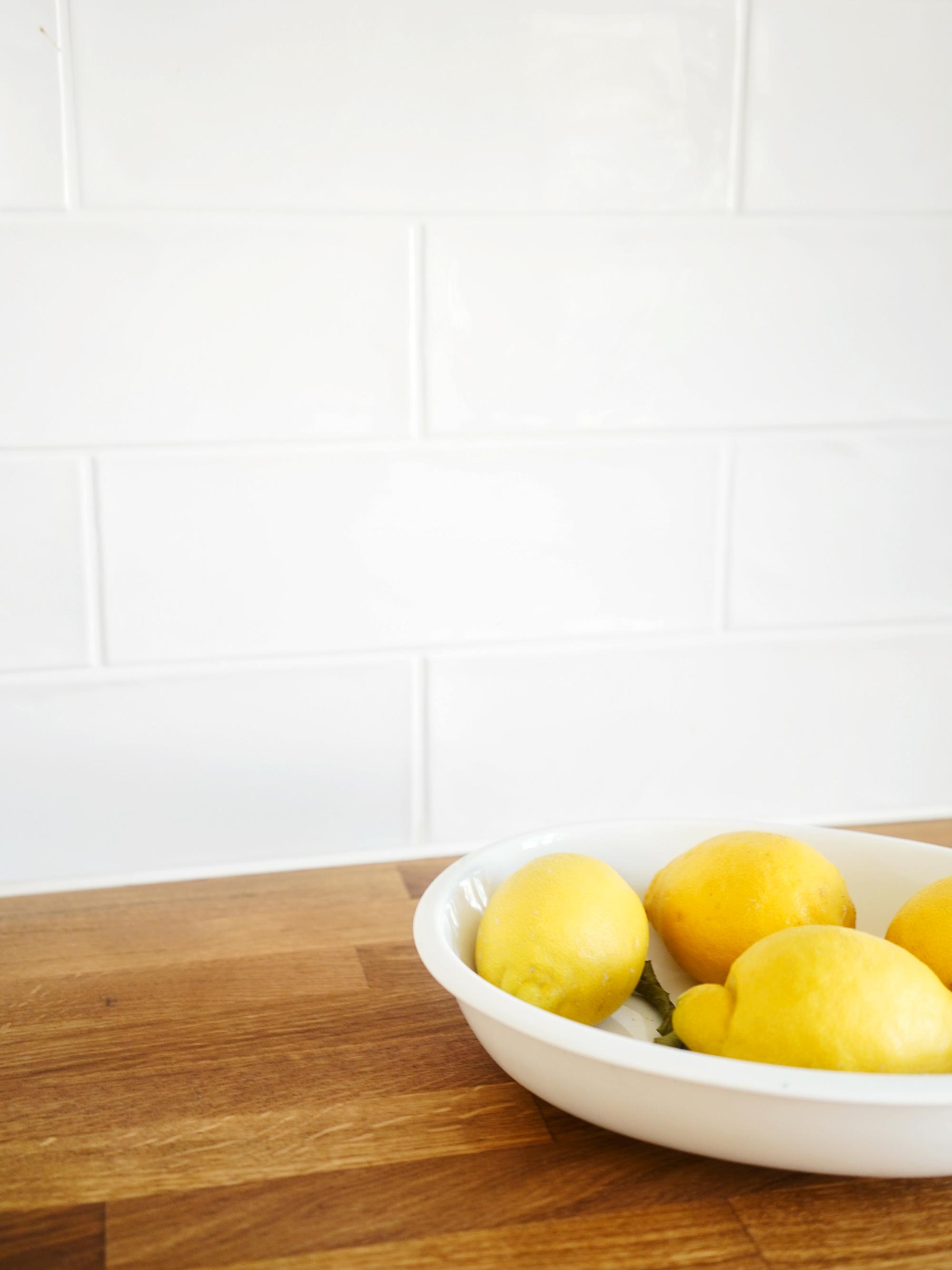 Sitruunakulho omassa keittiössä, tänä aamuna.