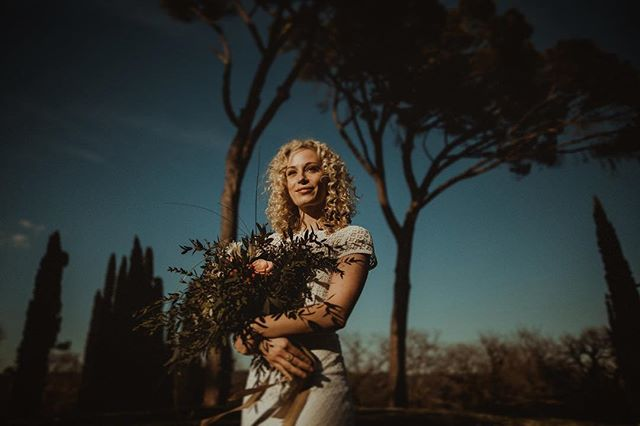 """Your smiling eyes are just a mirror for the sun."" - Red Hot Chili Peppers  _____ big thx to @saschakraemerfotografie for the inspiration and @victoriaruesche for that lovely dress!"