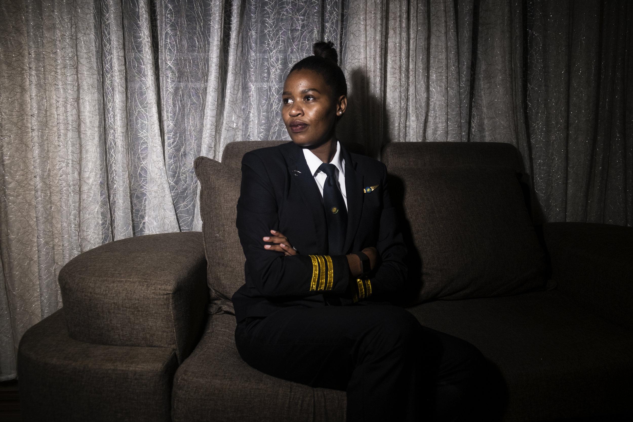 Esther Mbabazi   Rwanda first female airline pilot