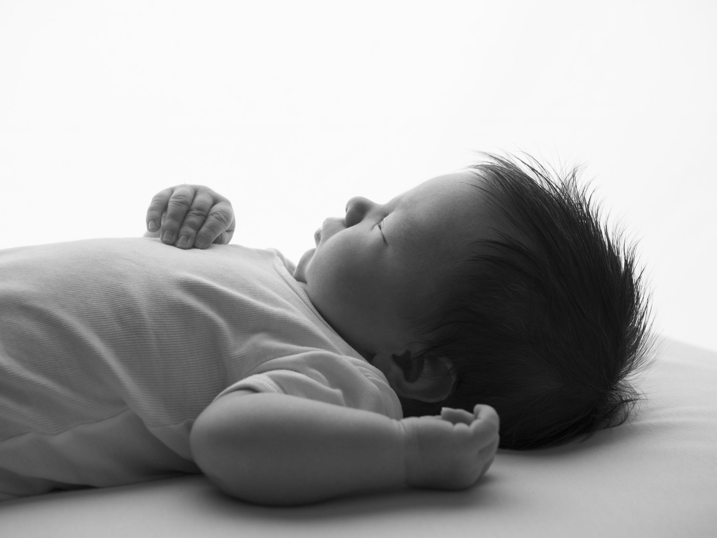 black-and-white-newborn-photography-london.jpg