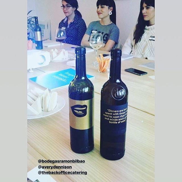 Colaboraciones que molan! @ladieswinedesign_madrid #cateringmadrid #diseñografico #eventos
