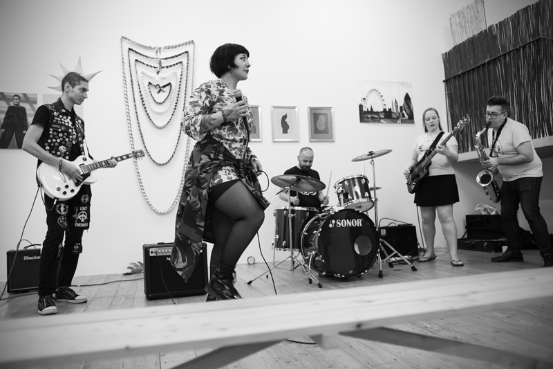 Gutts performing at  Mana Moana|Mana Wahine Exhibition  in May 2019 Image: ©2018 Crystal Te Moananui Squares