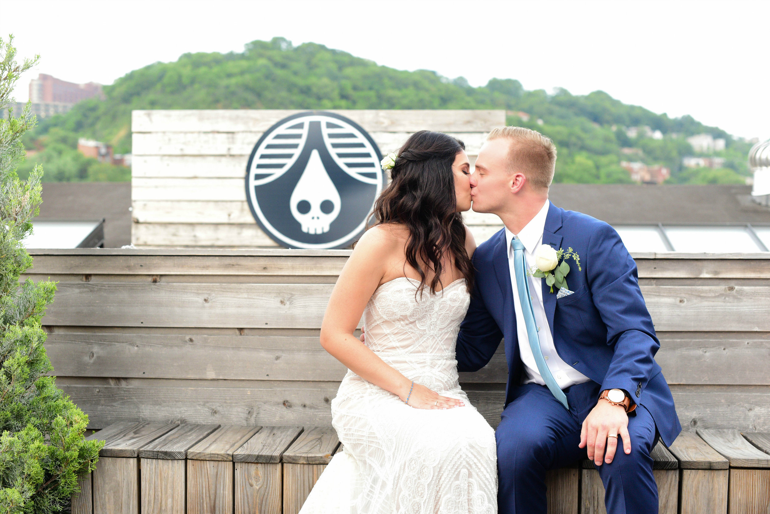 SUSIE MARIE PHOTOGRAPHY | RHINEGEIST WEDDING | BRIDAL GOWN | REAL CINCINNAIT WEDDING | RHINEGEIST BREWERY | NAVY BLUE SUIT | CINCINNATI WEDDING COORDINATOR | DAY OF COORDINATION CINCINNATI