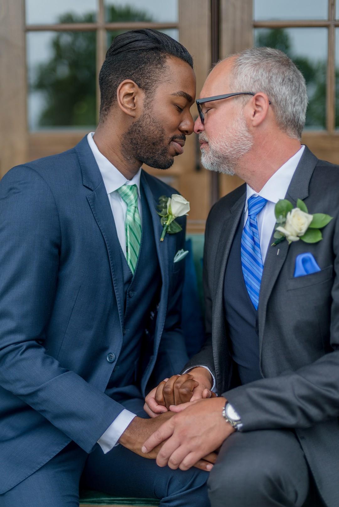 Columbus wedding planner - gay wedding - blue and green wedding colors - cincinnati wedding designer - wedding planning cincinnati