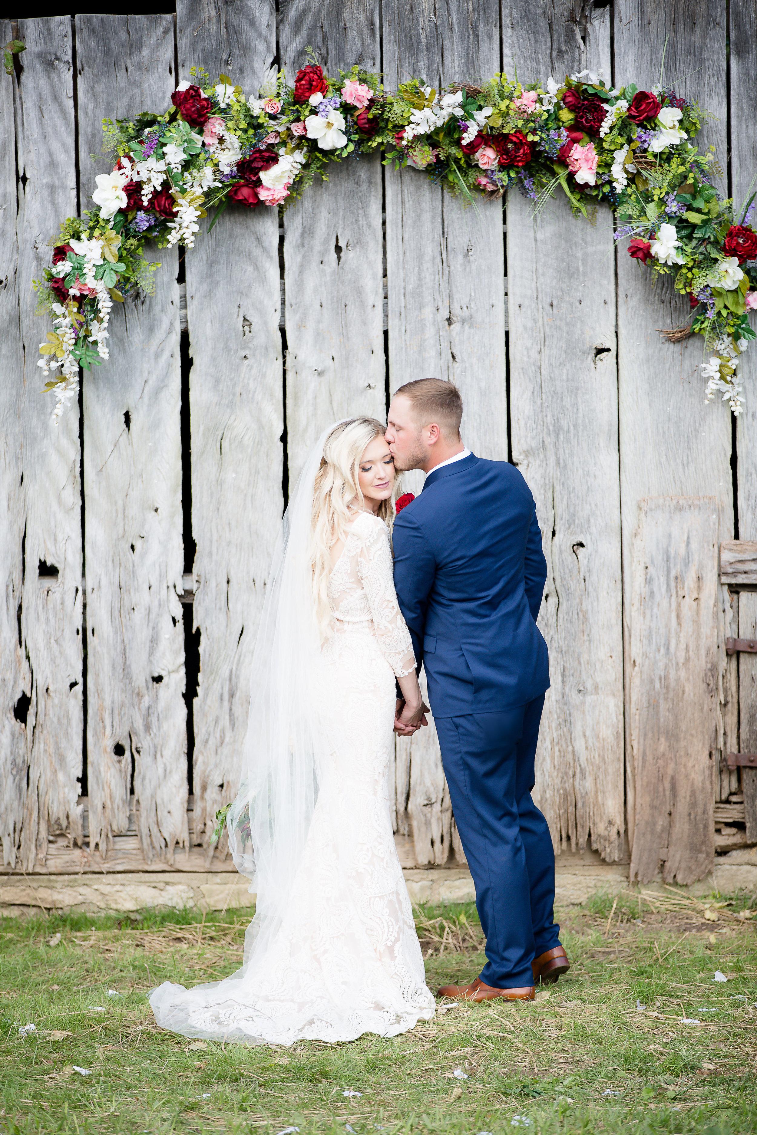 burgundywedding-barnwedding
