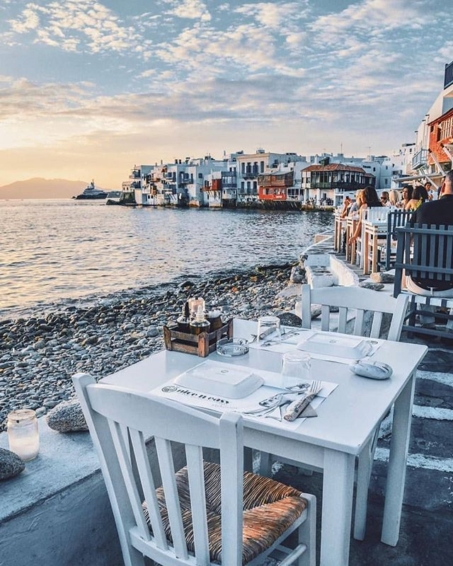 The Mykonos are calling!! • • • • • #elopement #elope #vacation #honeymoon #dreamtrip #travelinspiration #traveltheworld #seetheworld #wanderlust #europeanadventure #eurotrip #europe #love #greece #greek #greekmythology #greekislands #mykonos #mykonosgreece #destinationwedding #vlistmember #sunset
