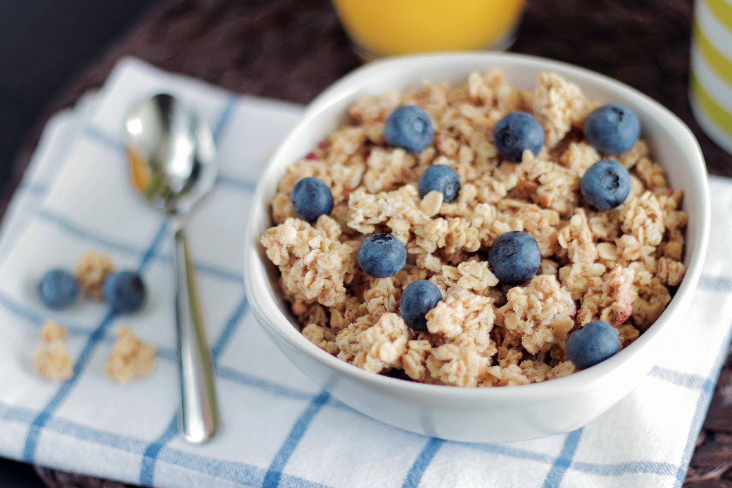 blueberry-bowl-breakfast-216951.jpg