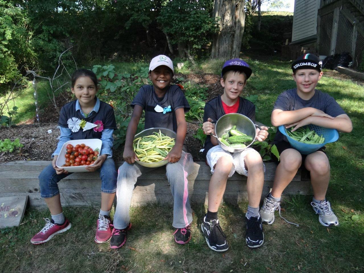 Kids with vegetables HD.jpg