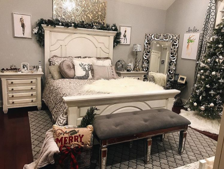 Holiday Bedroom Decor Inspiration via GirlsLife