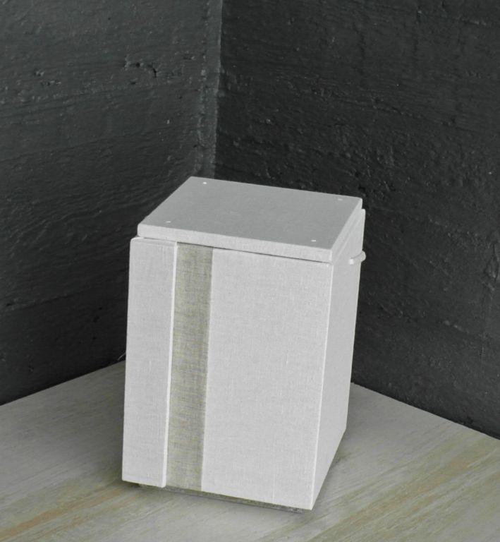 Nro11 Valkoinen pellava-pellava raita (110€)
