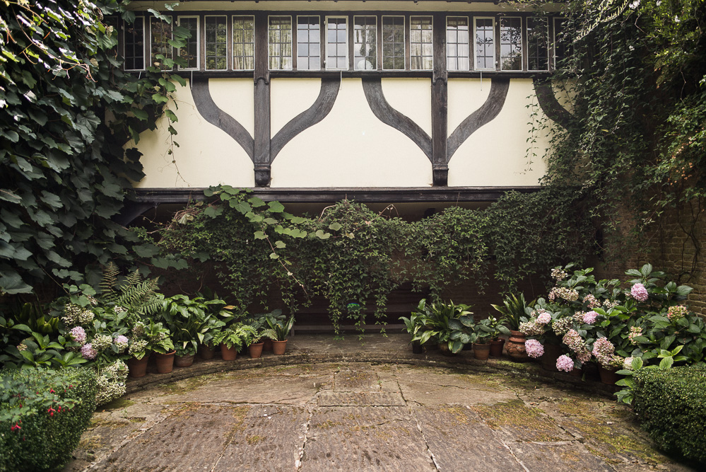 Jekyll was the first to use trailing plants growing horizontally to create a swag or curtain of foliage