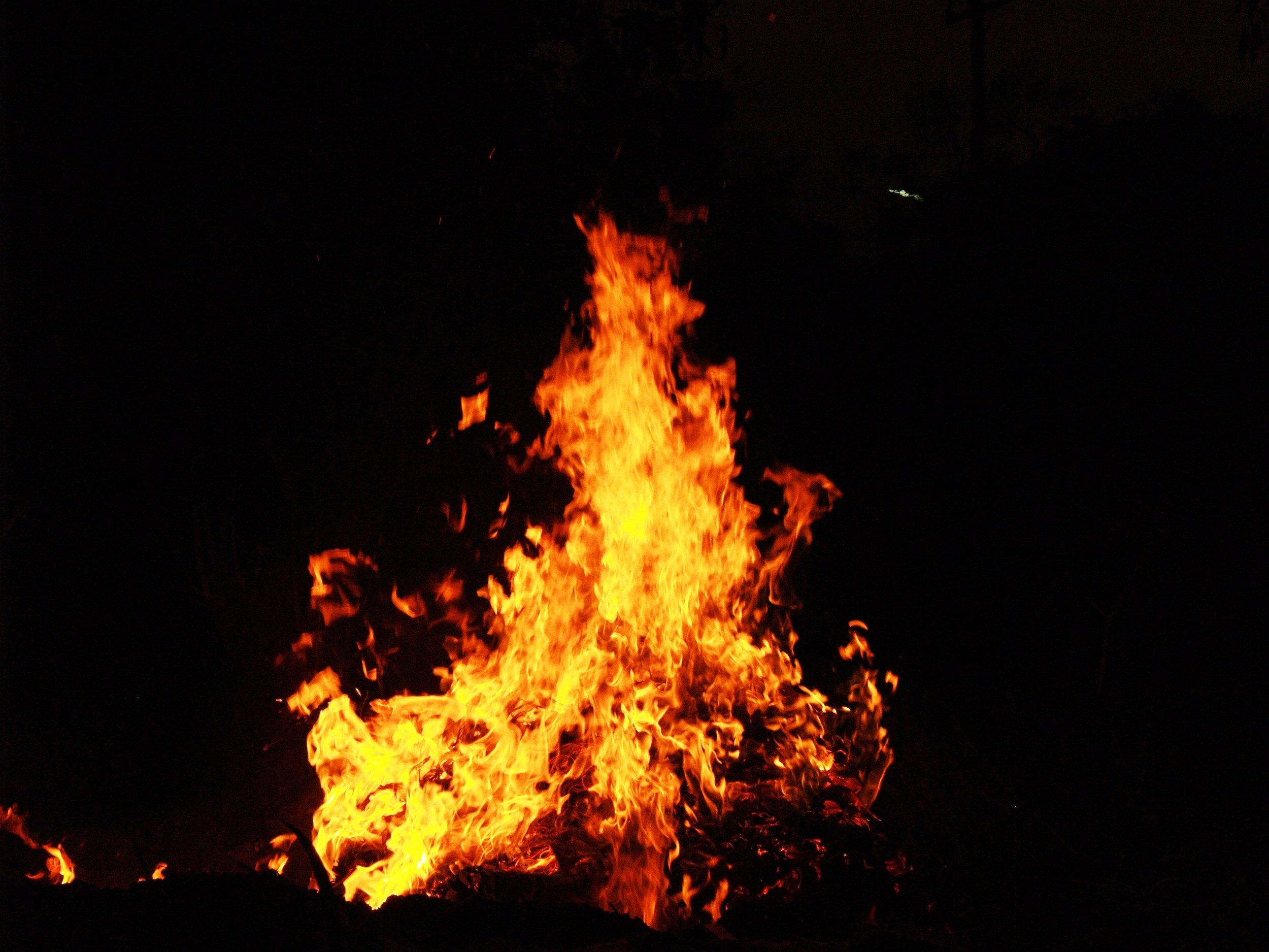 background-blaze-blazing-216621.jpg