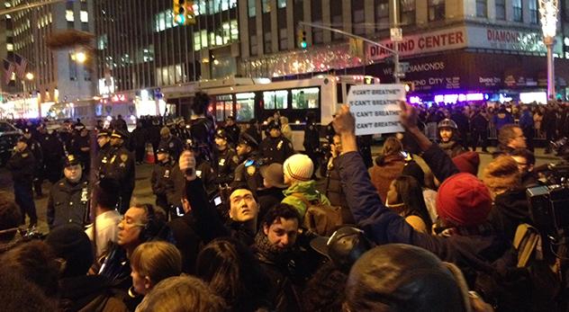 GarnerProtest1.jpg
