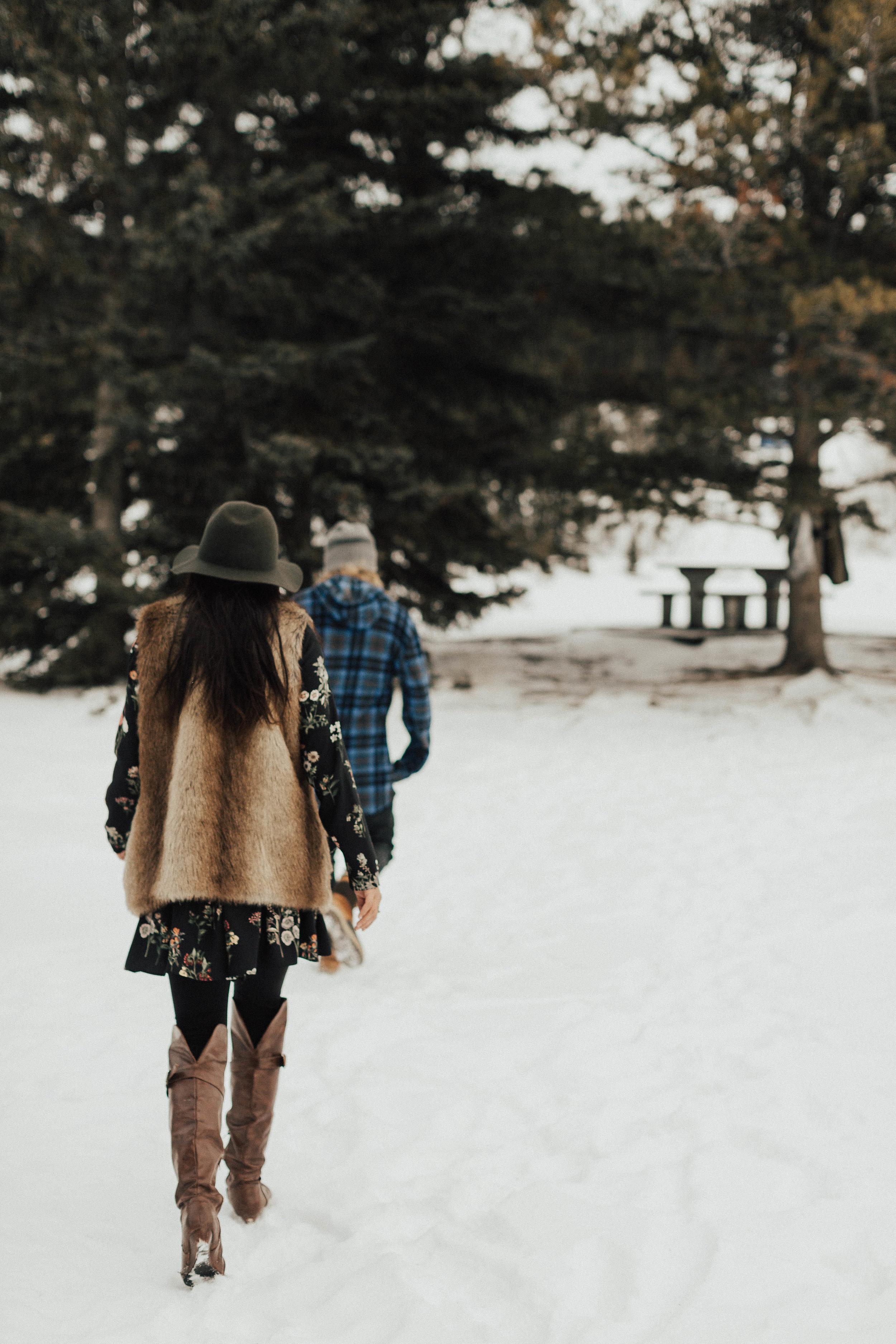 Banff Engagement Photographer - Winter Mountain Adventure Engagement Session - Michelle Larmand Photography-031