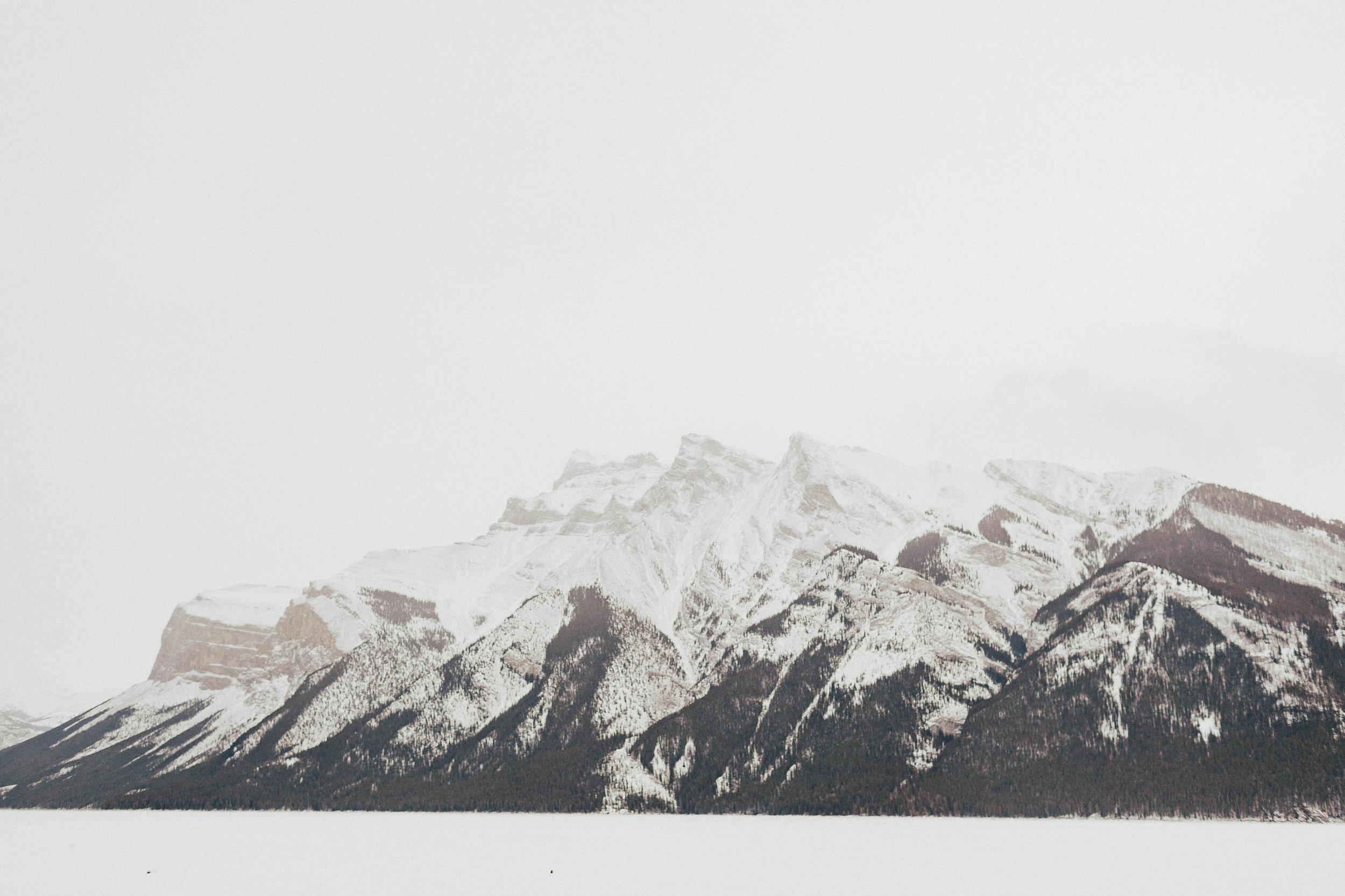 Banff Engagement Photographer - Winter Mountain Adventure Engagement Session - Michelle Larmand Photography-032