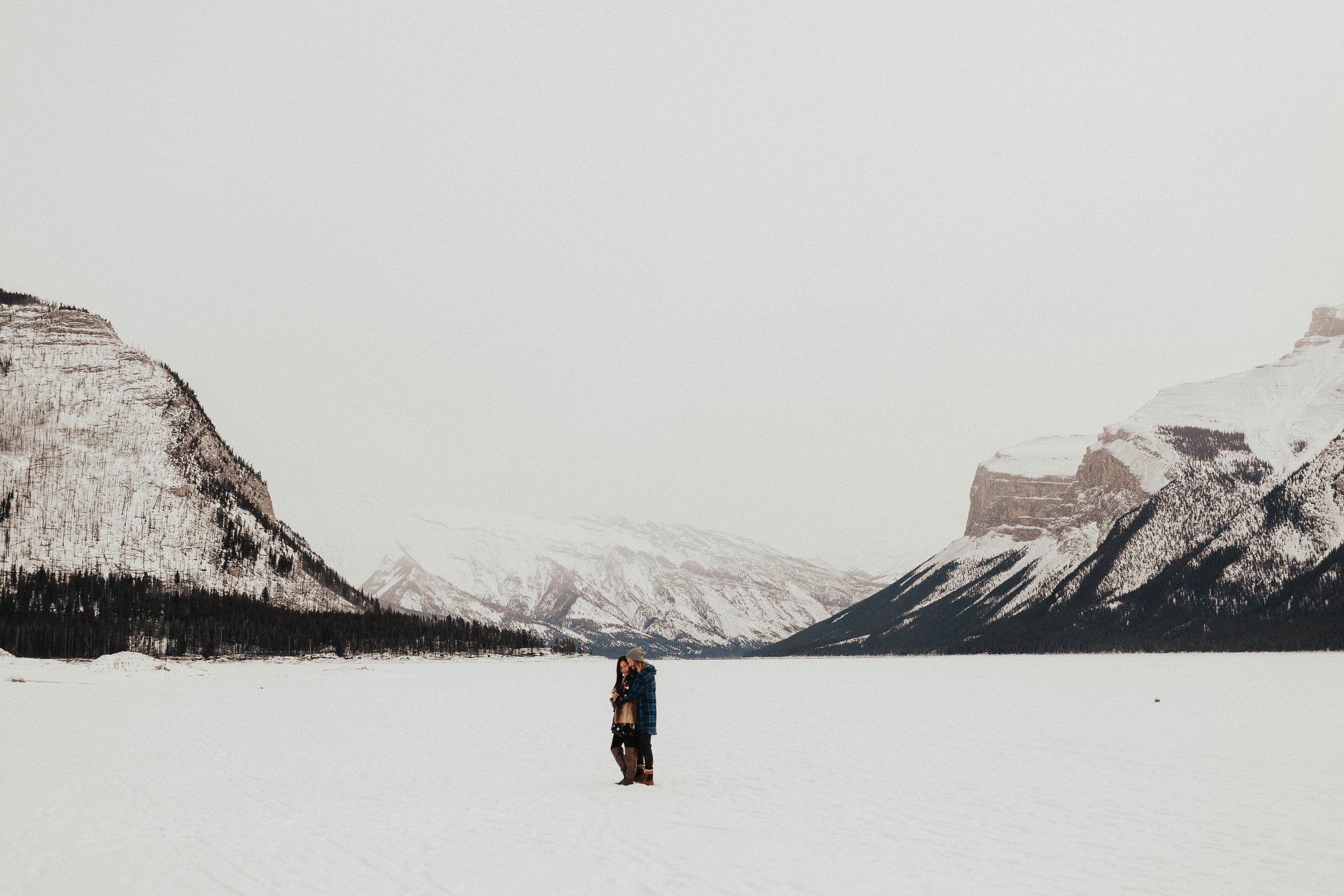 Banff Engagement Photographer - Winter Mountain Adventure Engagement Session - Michelle Larmand Photography-042