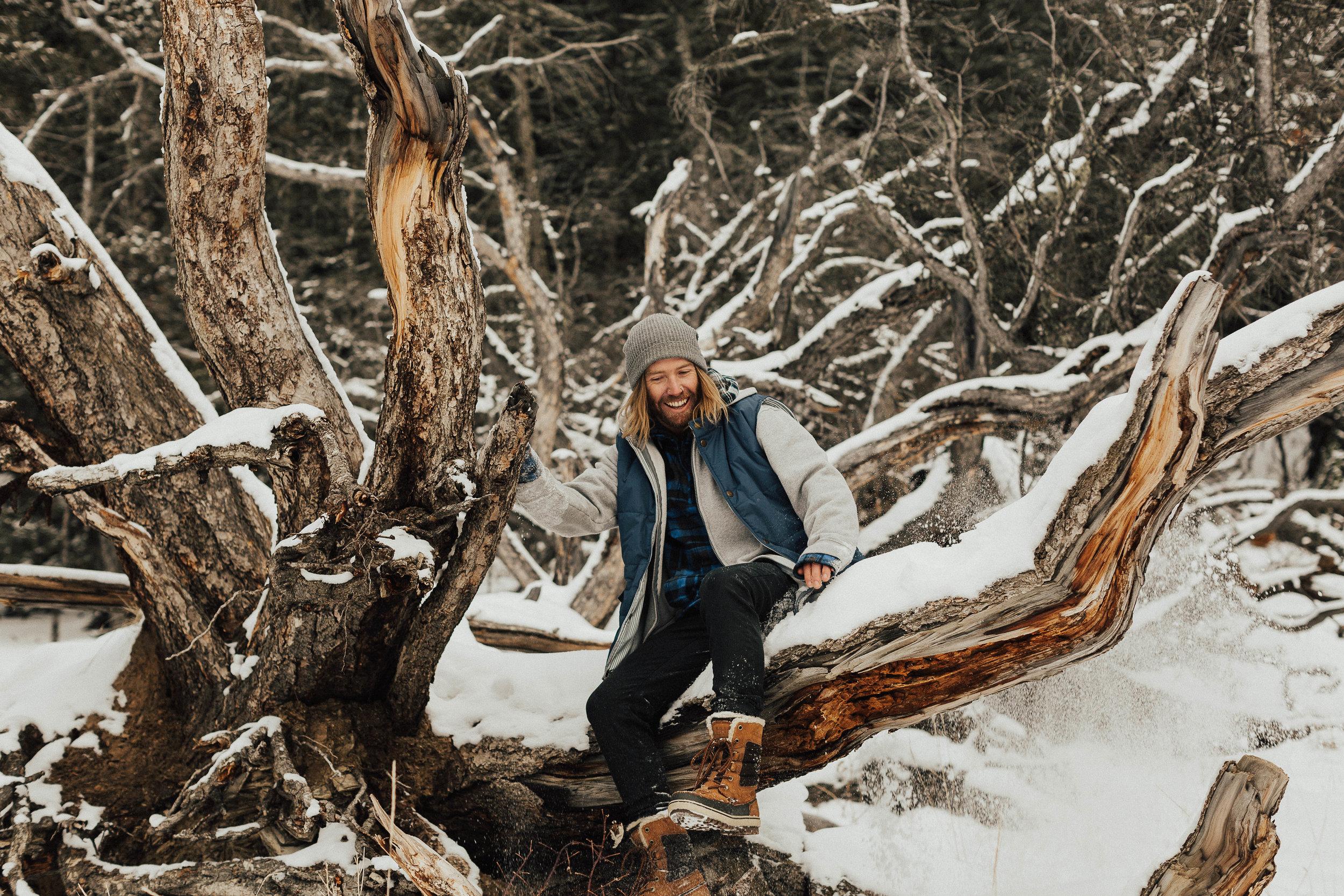 Banff Engagement Photographer - Winter Mountain Adventure Engagement Session - Michelle Larmand Photography-071