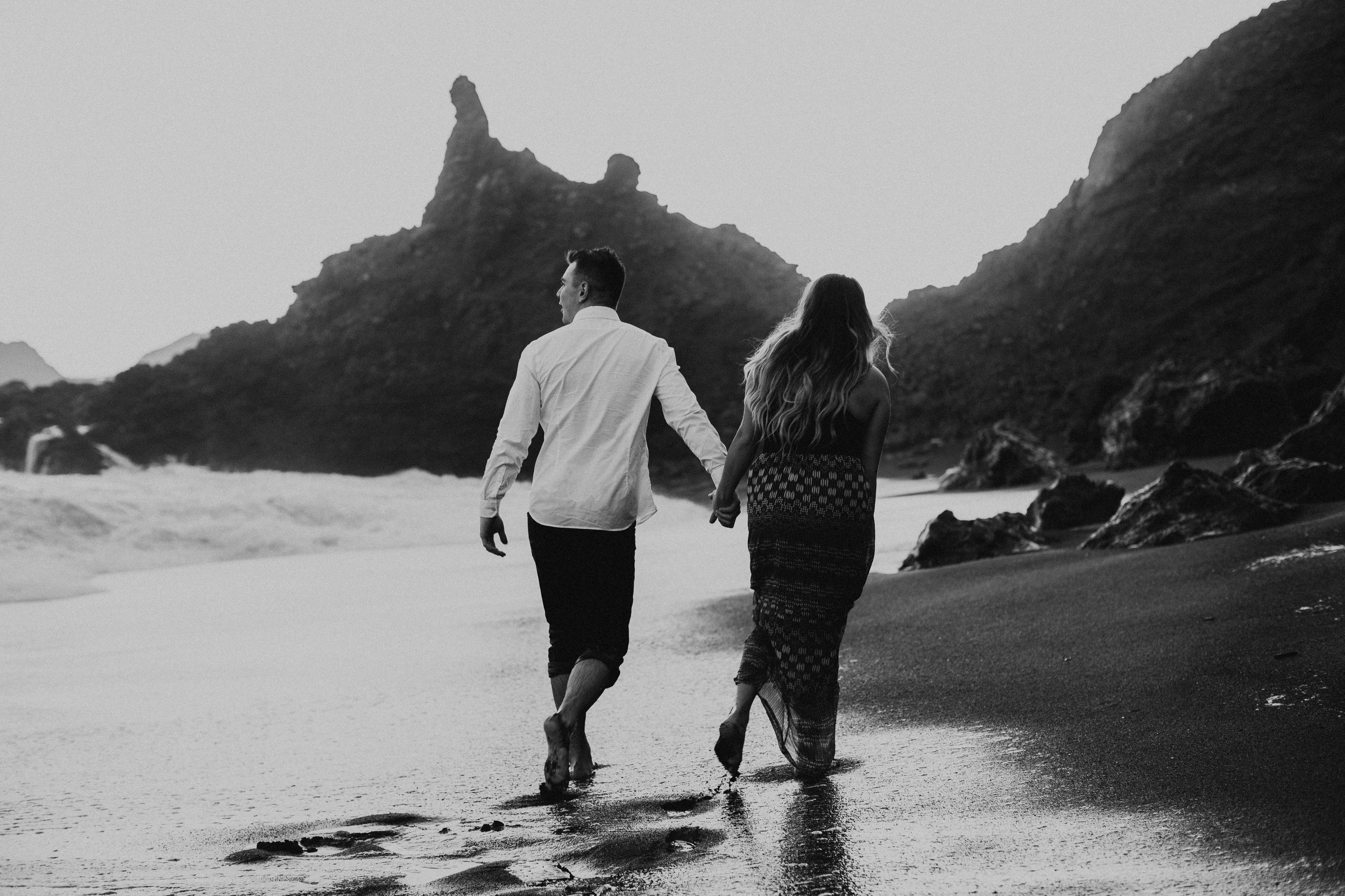 Black Sands Beach Couples Session - Michelle Larmand Photography043